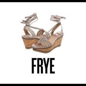 NWB Frye Carlie Strappy Taupe Wedge Sandal Sz 9.5M